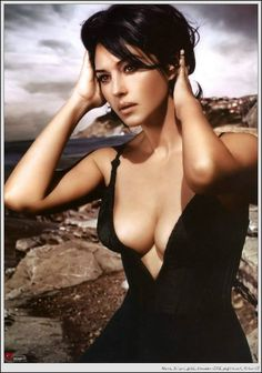 Monica Belluci ~ ~ The Italian star doesn't worry about the ageing process and would rather mature gracefully.