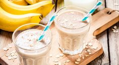 Banana smoothie with oatmeal, peanut butter and milk by nblxer. Healthy breakfast: banana smoothie with oatmeal, peanut butter and milk Oat Smoothie, Breakfast Smoothie Recipes, Oatmeal Smoothies, Healthy Smoothies, Banana Breakfast, Smoothie Drinks, Healthy Fats, Oatmeal Water, Smoothie Recipes