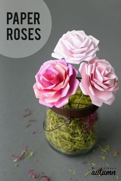 Learn how to make paper roses with this beautiful paper rose template. Step by step instructions included. How to make DIY paper flowers. #itsalwaysautumn #paperflowers #paperroses