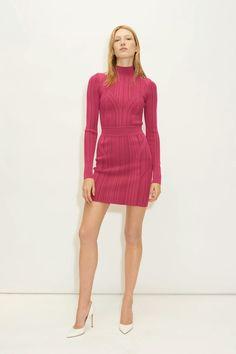 Herv¨¦ L¨¦ger Fall 2020 Ready-to-Wear Fashion Show - Vogue Fashion Week, Fashion Show, Fashion Looks, Fashion Outfits, Fashion Design, Fashion Brands, Herve Leger, Vogue Paris, Business Dresses