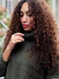 Resultado de imagem para cabelos cacheados
