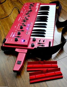 MATRIXSYNTH: Red Roland Sh-101 with Blue LEDs