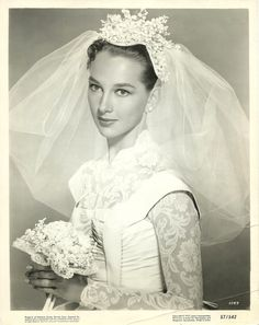 The Bridal Fashion Week for 2019 has come and gone, and it did not disappoint. If you love the classic style of Audrey Hepburn and other mid-century classic Wedding Dress Trends, Gorgeous Wedding Dress, Beautiful Bride, Wedding Dresses, Wedding Veils, Vintage Wedding Photos, Vintage Bridal, Vintage Weddings, Vintage Photos