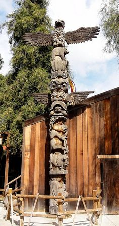 Native American Totem Poles | Animal Totem Pole /  Flickr - Photo ...