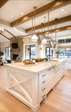Farmhouse kitchen island, home kitchens и home decor kitchen. Home Decor Kitchen, Interior Design Kitchen, New Kitchen, Home Kitchens, Kitchen Ideas, Interior Modern, Kitchen Layout, Kitchen Designs, Open Concept Home