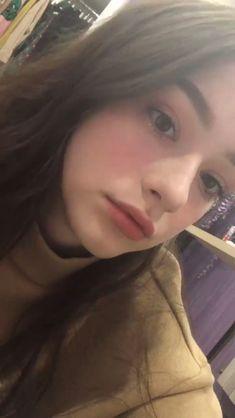 Cute Girl Face, Cool Girl, Girl Pictures, Girl Photos, Cute Selfie Ideas, Fake Girls, Cute Young Girl, Selfie Poses, Girls Selfies