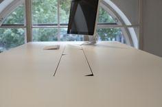 Office-Desk-Schreibtisch mit Kabelkanal.  #desk #schreibtisch #design #new #officedesk