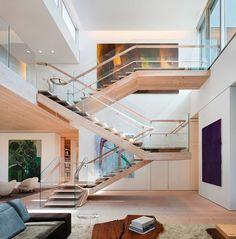 Gabellini Sheppard Associatesprojetou esse loft impressionante noSoHo Cast Iron Historic District, New York, USA. Combinando o design escandinavo ao americano, [...]