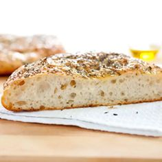 America's test kitchen rosemary focaccia, its from the 'feed' so it's a free recipe (no membership required to view). Its the best bread recipe I've come across in a long time. Easy Focaccia Recipe, Americas Test Kitchen, Chapati, Breakfast Casserole, Bread Baking, Bread Food, The Best, Yummy Food, Salads