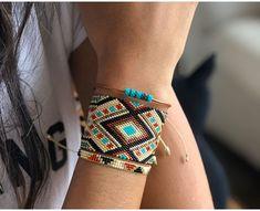 Loom Bracelet Patterns, Bead Loom Bracelets, Bead Loom Patterns, Beading Patterns, Nail Jewelry, Seed Bead Jewelry, Bead Jewellery, Diy Accessoires, Beaded Jewelry Designs