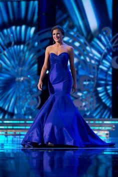 Miss Wisconsin Paula Mae Kuiper looked stunning in this deep purple gown from Mac Duggal Couture at Miss America, style 81954D.