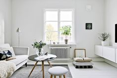 Comment intégrer des meubles anciens à une déco contemporaine? | PLANETE DECO a homes world