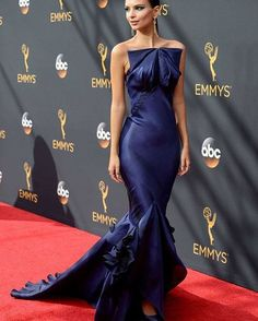 What do you think about #emrata 's sleek look at the #emmys #redcarpet ? Would you #hip it or skip it? Let us know in the comments below!    #celebstyle #hippily #livehippily#hiporskip