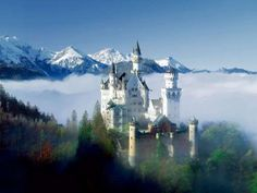this castle in germany kinda remind's me of beauty and the beast i love it, i have to visit