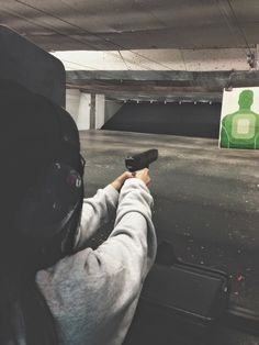 4 Not-So-Typical Date Ideas Date Idea: Go to a shooting range! Girl Pictures, Girl Photos, Gangster Girl, Boxing Girl, Bad Girl Aesthetic, Shooting Range, Foto Instagram, Insta Photo Ideas, Tumblr Photography