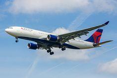 Крупнейшая авиакомпания мира отменила 150 рейсов из-за компьютерного сбоя http://mnogomerie.ru/2017/01/30/krypneishaia-aviakompaniia-mira-otmenila-150-reisov-iz-za-komputernogo-sboia/  Американская авиакомпания Delta Airlines, считающаяся крупнейшей в мире, отменила порядка 150 рейсов из-за сбоя в компьютерной системе. Об этом в понедельник, 30 января, сообщается в Twitter перевозчика. Как отмечают представители Delta Airlines, число аннулированных рейсов может возрасти. Они также…