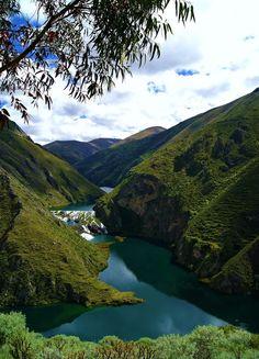 Reserva Paisajística Nor Yauyos - Cochas | Lima, Perú    El distrito de Huancaya se ubica en la Reserva Paisajistica Nor Yauyos Cochas y se encuentra a 290 Km (Vía carretera central) o 320 Km (Vía cañete) al sur este de la ciudad de Lima (8 horas en carro particular))