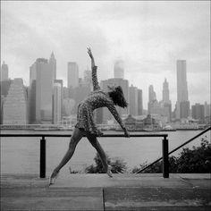Beautiful Ballerinas Gracefully Dance Across Urban Streets - My Modern Metropolis - The Ballerina Project
