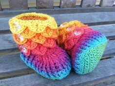 "Crocodile Baby Boots- Boy or Girl- Wool Yarn  etsy.com: ""HarringtonCrafts"""