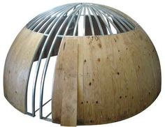 Hemispherical roof dome frame construction with plywood sheathing shown before… Roof Dome, Dome Tent, Dome House, House Roof, Chalet Design, House Design, Dome Structure, Plywood Projects, Round Building