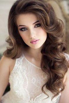 long wavy wedding hairstyle and makeup - Deer Pearl Flowers / http://www.deerpearlflowers.com/wedding-hairstyle-inspiration/long-wavy-wedding-hairstyle-and-makeup/