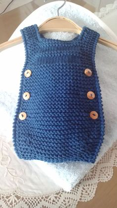 Un peto para Manuel - Knitting for kids - Medizinische Knitting Blogs, Knitting For Kids, Baby Knitting Patterns, Baby Patterns, Baby Girl Romper, Baby Dress, Baby Sewing, Free Sewing, Tricot Baby