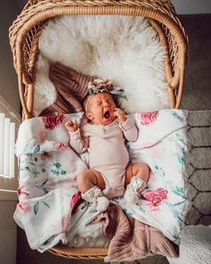 Giving us all the baby fever! + the most gorgeous floral swaddle blanke… Giving us all the baby fever! + the most gorgeous floral swaddle blanket from Snuggle Hunny Kids! Lil Baby, Baby Kind, Little Babies, Cute Babies, Baby Pictures, Baby Photos, Foto Baby, Baby Wraps, Baby Family