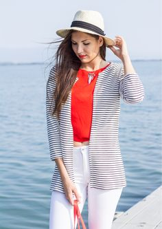 #ootd #striped #stripes #blazer #stripedblazer #outfit #fblogger #slovakblogger #dnesnosim #hat #strawhat #summerlook