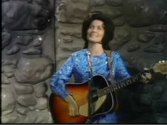 "Loretta Lynn - ""Don't Come Home A-Drinkin""    Link:  http://www.youtube.com/watch?v=OBnkAkmLtaw#"