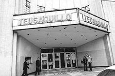 Teatro teusaquillio Study Abroad, Nostalgia, Neon Signs, Photography, Vinyl Records, Bogota Colombia, Caracas, Old Pictures, Fotografie