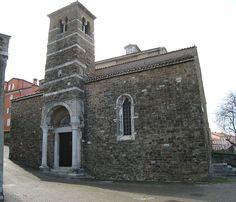 Chiesa elvetica-valdese di San Silvestro, Trieste---------------------Comunità evangeliche riformate elvetica e valdese. Si trova in piazza San Silvestro. In stile romanico, è una delle chiese più antiche di Trieste, probabilmente del 1100. Fu acquistata dalla comunità evangelica nel 1786.