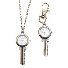 Een sleutelhanger in de vorm van een sleutel met klokje. Leeeeeeuk!