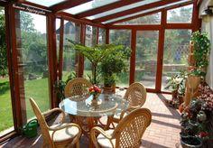 11+ překrásných kreativních nápadů na zasklené zimní zahrady a terasy!   Vychytávkov Outdoor Furniture Sets, Outdoor Decor, Conservatory, Sunroom, Exterior Design, Sweet Home, New Homes, Patio, Windows