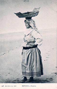 Nº 198 - Portugal. Espinho. Vareira - Editor Emilio Biel - Dim. 14x9 cm - Col. M. Chaby.