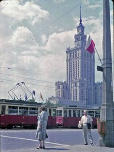 Pałac Kultury i Nauki, 1963 Warsaw City, Warsaw Poland, Socialist Realism, The Lost World, Vintage Travel, Retro Vintage, Cool Countries, Old City, Beautiful Buildings