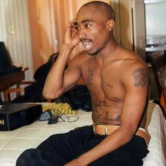 """love-leeeeeeee: """"Tupac Shakur - The Messages He Left Behind Join an activist with a tattoo-loving gangsta' rapper, mix it with leadership and a baldhead, you've got Tupac Amaru Shakur. Tupac Shakur, 2pac, Nate Dogg, Best Rapper, Hip Hop Rap, Snoop Dogg, Thug Life, Way Of Life, Singer"""
