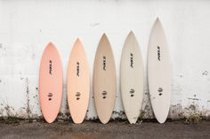 Surf and surfing inspiration Beach Aesthetic, Summer Aesthetic, Aesthetic Photo, Aesthetic Pictures, Aesthetic Bedroom, Photo Wall Collage, Picture Wall, Decoration Hawai, Sgraffito