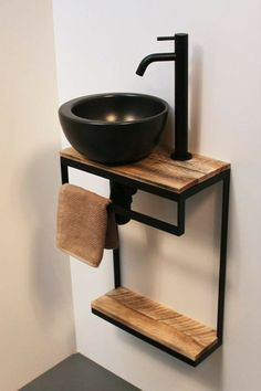 The small rustic toilet can bring a lot of charm to the decor even in a small environment. Bathroom Design Luxury, Bathroom Design Small, Kitchen Design, Steel Furniture, Diy Furniture, Furniture Projects, Wood Projects, Lave Main Design, Small Toilet Room