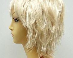 Blonde Cosplay Wig, Cosplay Wigs, Anime Cosplay, Blonde Layers, Blonde With Dark Roots, Blonde Highlights, Medium Hair Styles, Natural Hair Styles, Short Hair Styles