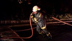 Cape Town Fire and Rescue Services fought a challenging battle against a fire in the Vredehoek area. Residents were advised to evacuate as firefighters attempts to control the fire were hindered by the extreme wind.