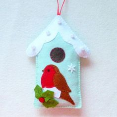 Felt Robin and Bird House PDF Sewing Pattern and door SewJuneJones Christmas Crafts To Sell, Felt Christmas Decorations, Felt Christmas Ornaments, Christmas Sewing, Christmas Projects, Handmade Christmas, Holiday Crafts, Christmas Patterns, Felt Diy