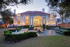 Pink Mary Kay mansion in Dallas sells for significantly less than original asking price - San Antonio Express-News