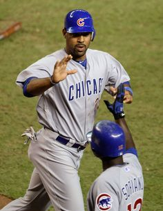 Confirmed! Former Cubs 1B Derrek Lee will be at the 2014 Cubs Convention.