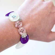 Easy DIY: Repurposed Button Bracelet - just sew #buttons onto a piece of elastic.