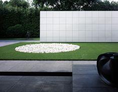 FOUNDSPACENZ — Rachofsky Residence - Richard Meier © Richard... Outdoor Pool, Outdoor Decor, Richard Meier, Forest Hill, Contemporary, Landscape, Architecture, Gardens, Design