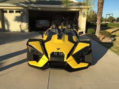 A Polaris Slingshot wrapped in yellow!   #polarisslingshotforum Bumblebee three wheels reverse trike motorcycle forum