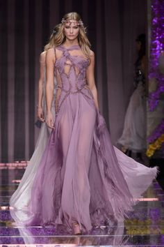 Karlie Kloss // Versace Fall 2015 Couture Collection