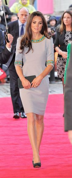 Really can't get enough of Kate Middleton's style - love the pop of turquoise and gold.
