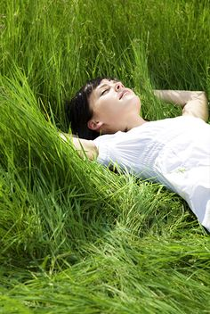 Relax in the long grass. Relax, Lifestyle Fotografie, The Four Agreements, Field Of Dreams, Quiet Moments, A Perfect Day, Simple Pleasures, Color Themes, Country Life
