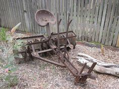 Most popular Farm Machinery videos and galleries. Antique Tractors, Vintage Tractors, Vintage Farm, Antique Cars, Farmall Tractors, Old Tractors, Food Plots For Deer, Agricultural Implements, New Tractor